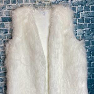 Time And Tru White Faux Fur Vest Medium New